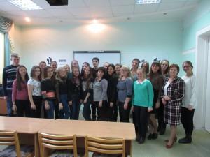 studenty_fak-ta_s_rukovoditelem_SNO_N_M_Ichetovkinoy_posle_diskussii